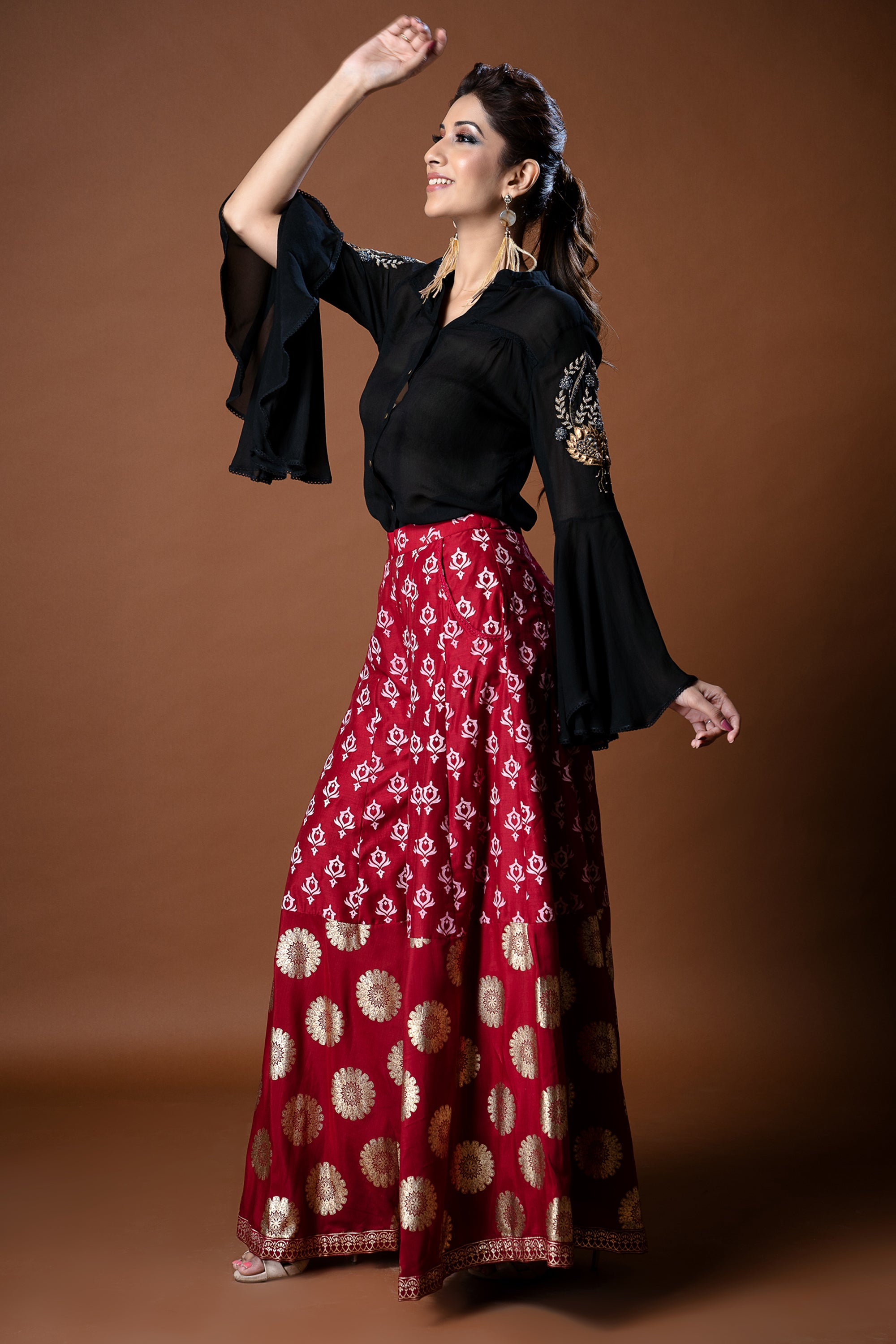 Black Bell Sleeves Shirt Withred Foil Print Pallazos SIDE