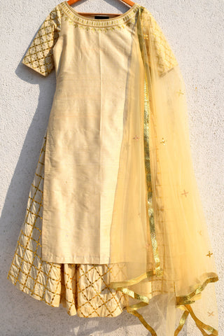 Off-white Gota Patti  Kurta With Lehenga & Dupatta Front