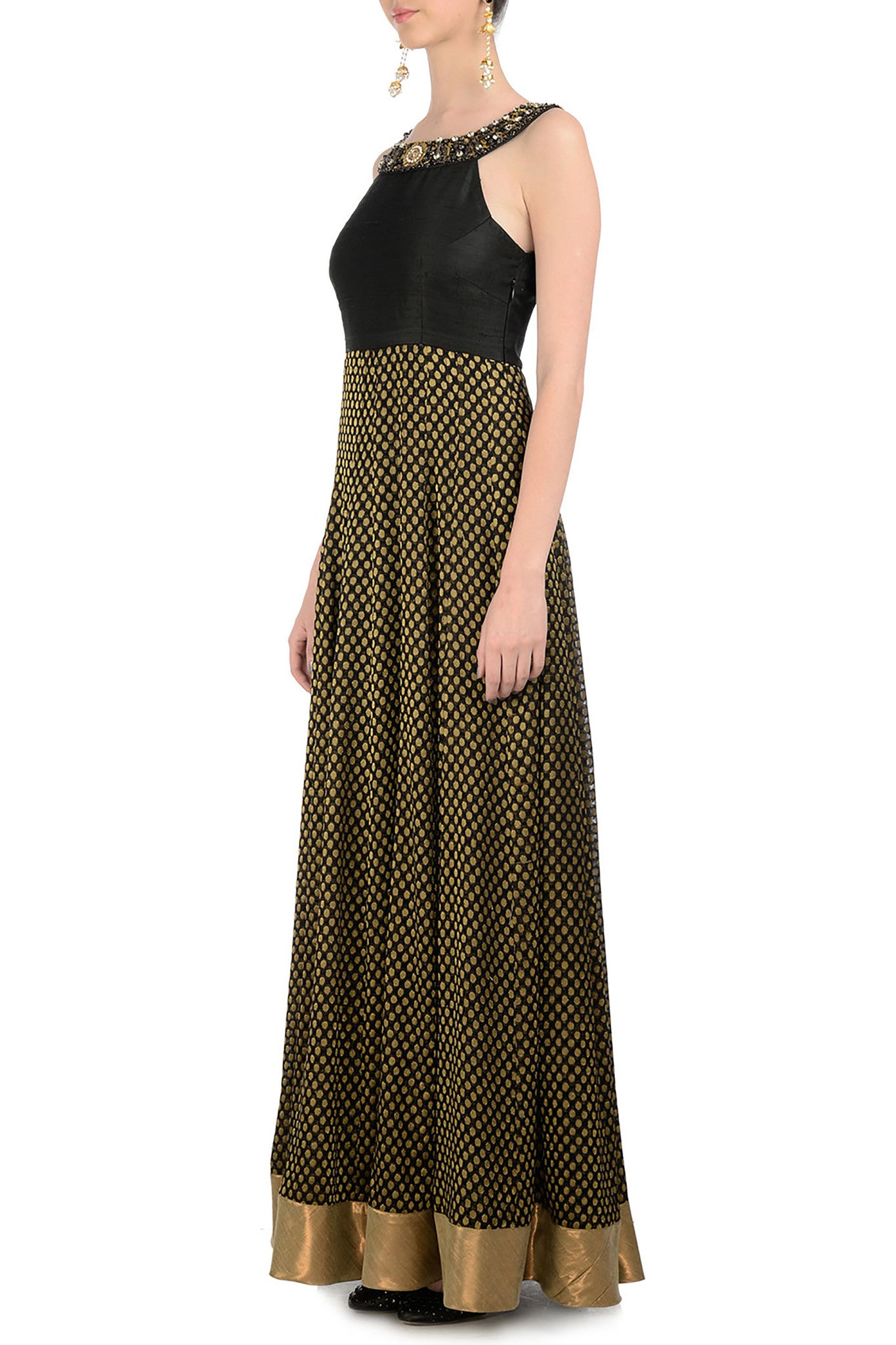 Black & Gold Gown Side