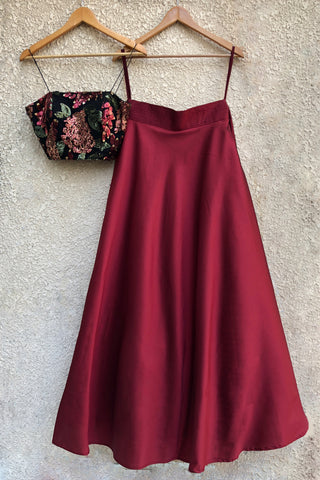 Black Sequins Bustier With Wine Skirt