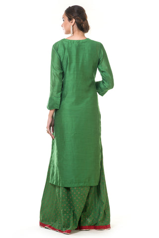 Green Hand Embroidered Floral Kurta