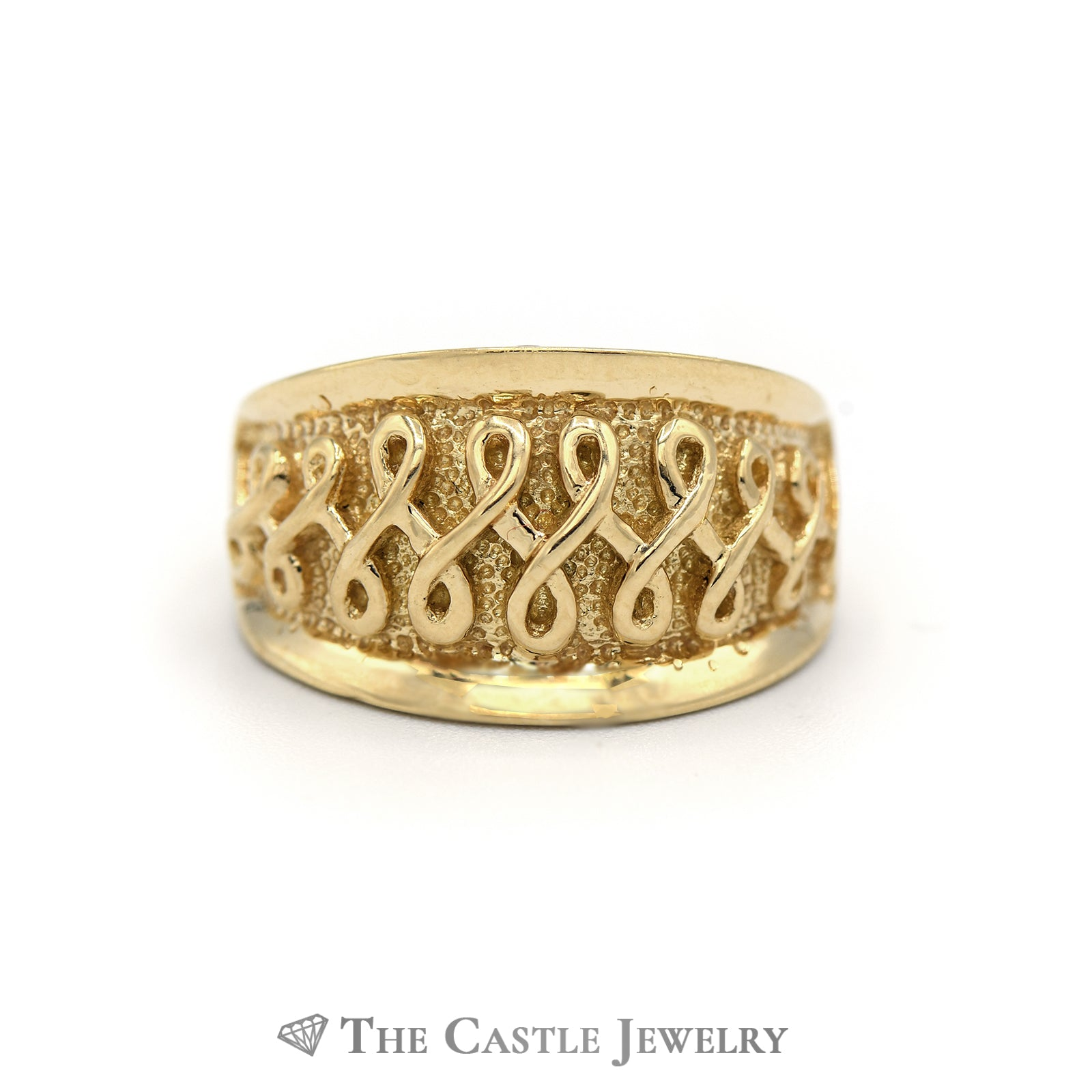 18K Yellow Gold Dome Ring with Twist Designed Detail