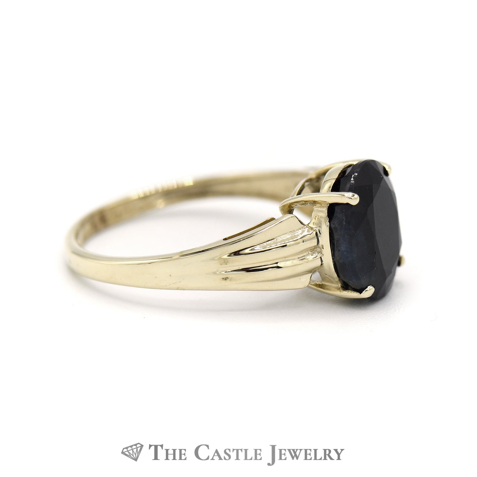 Oval Sapphire Ring in 10KT Yellow Gold-2