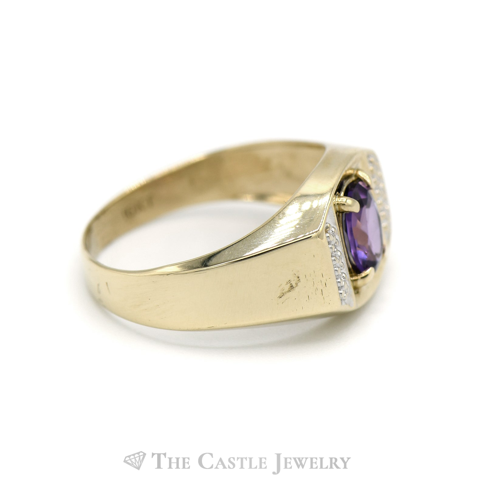 Men's Oval Cut Amethyst Ring in 10KT Yellow Gold-2