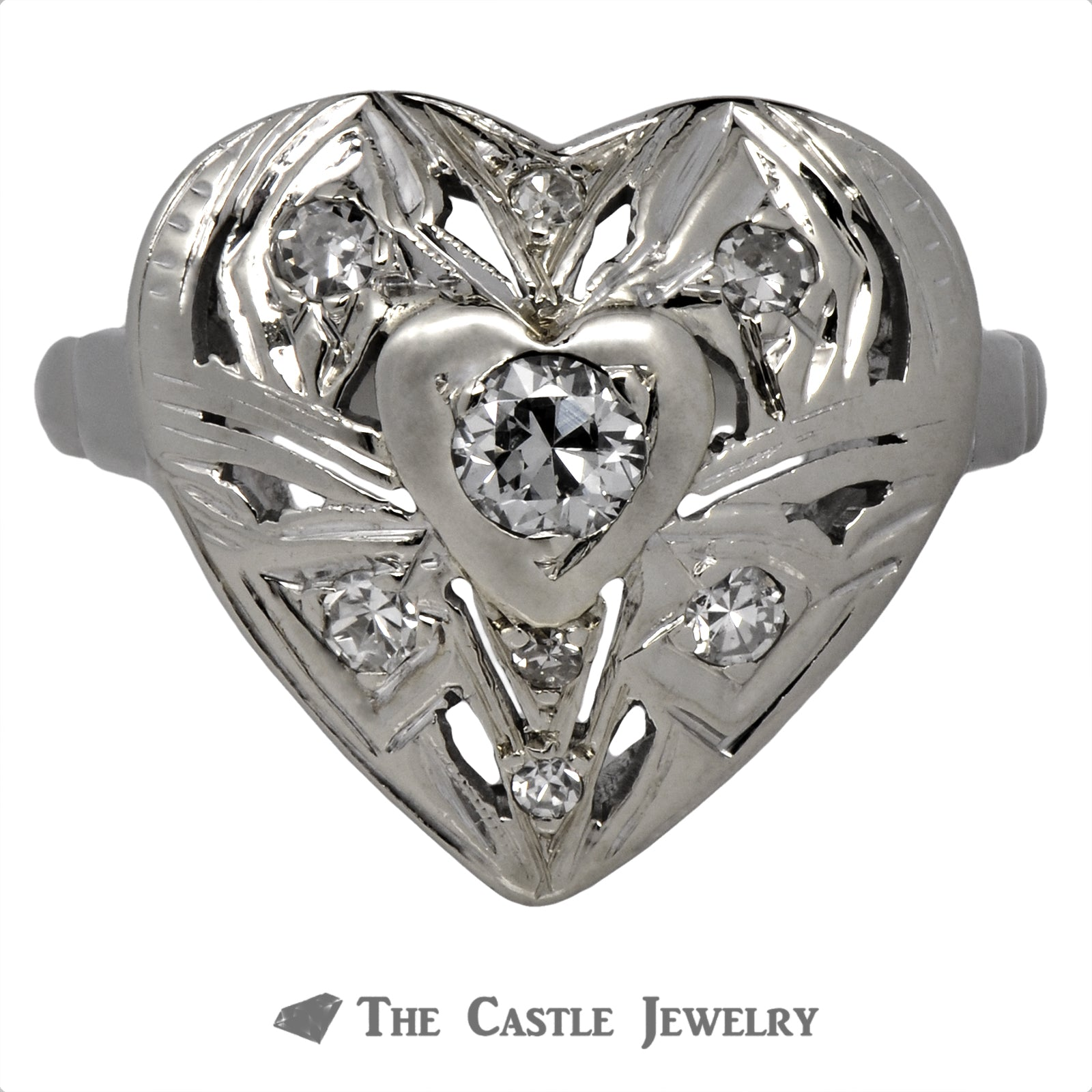 Antique Design Heart Shaped Ring with Round Brilliant Cut Diamonds