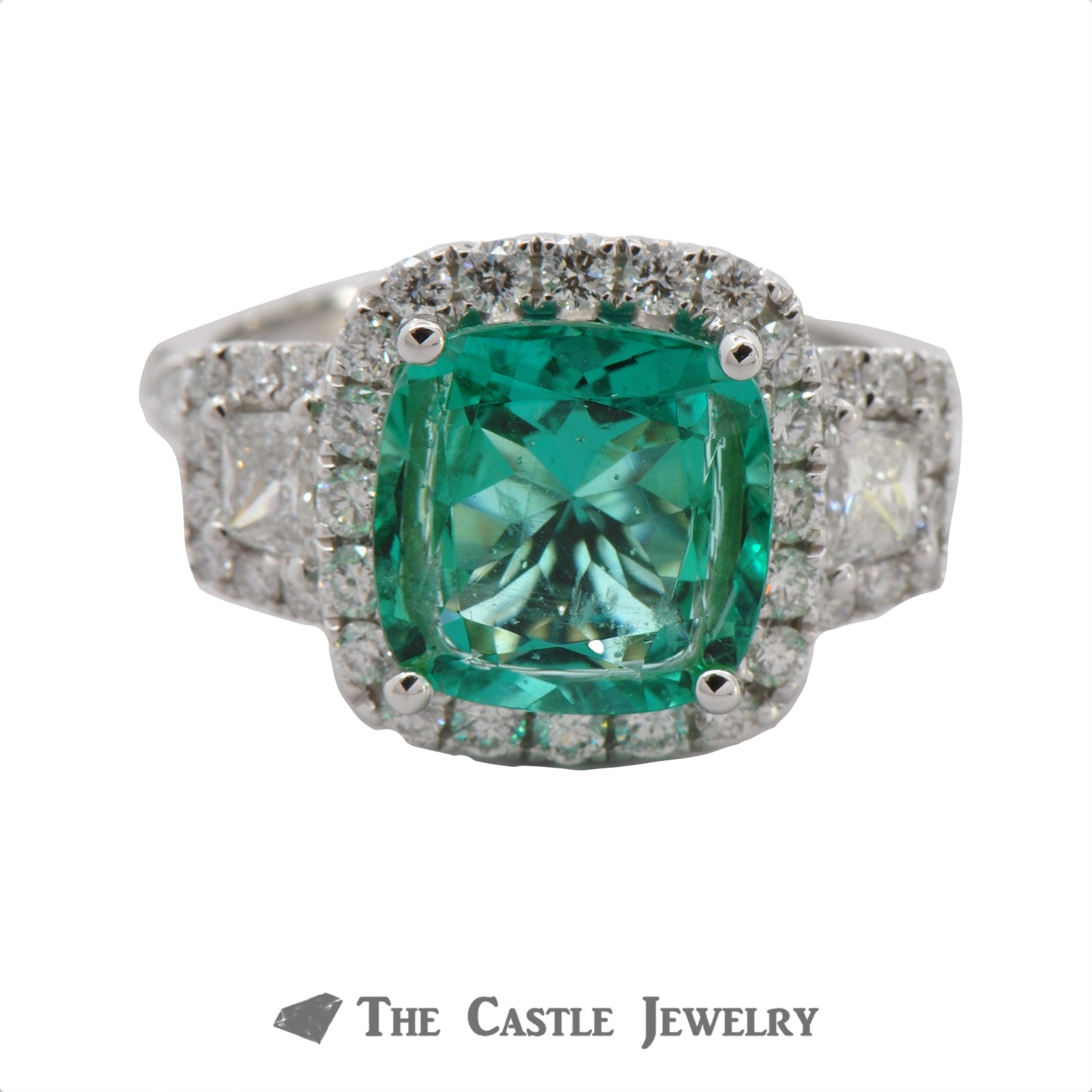 Cushion Cut Emerald Ring in a 18K White Gold Diamond Mounting