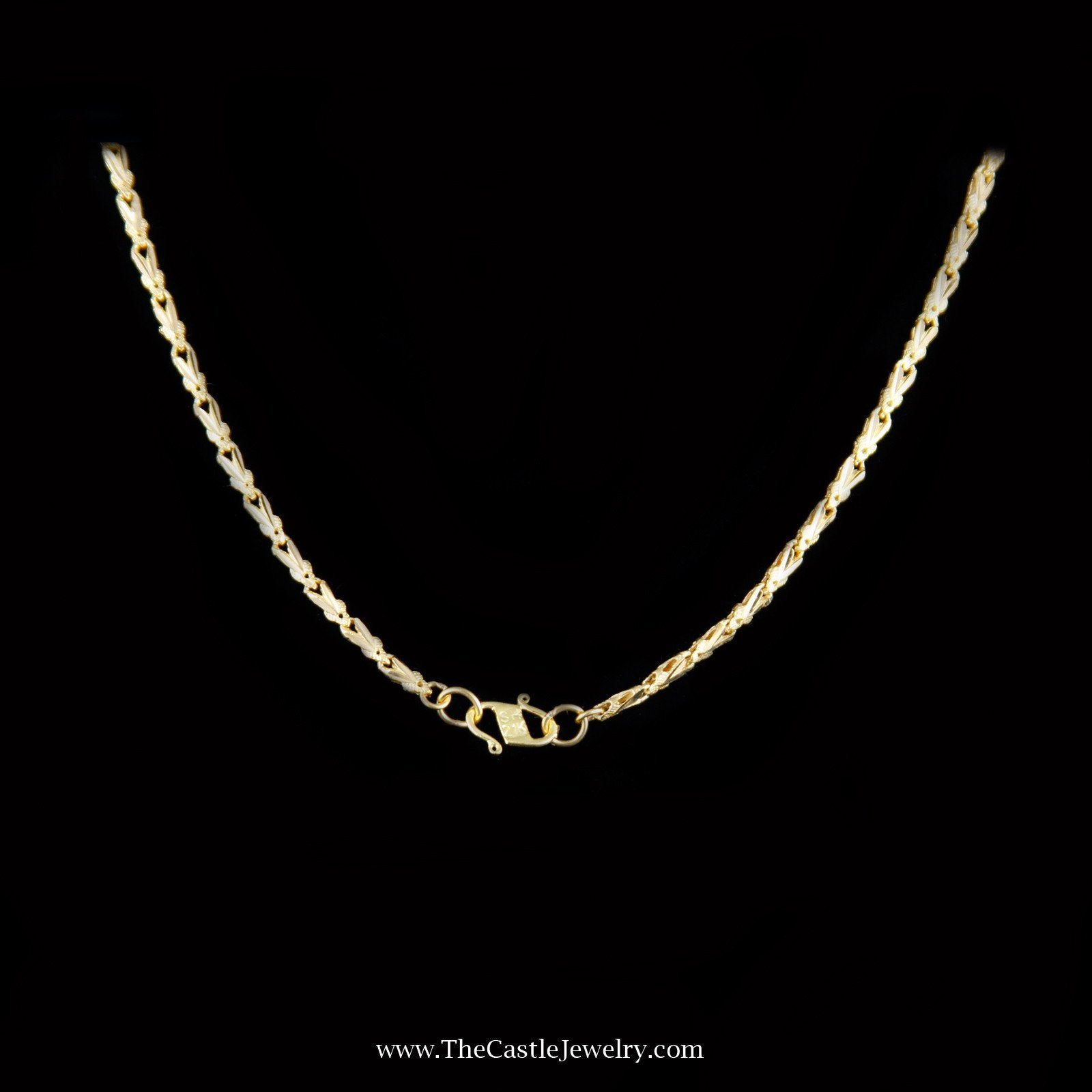 Charming Flower Link Necklace in 21K Yellow Gold-1