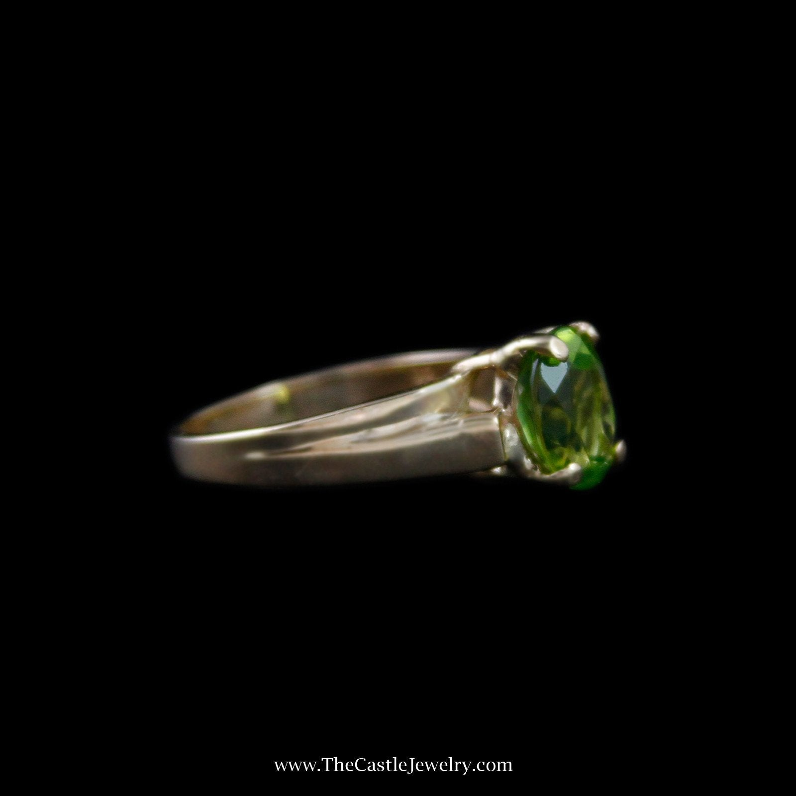 Charming Oval Peridot Solitaire Gemstone Ring in 14k Yellow Gold-2