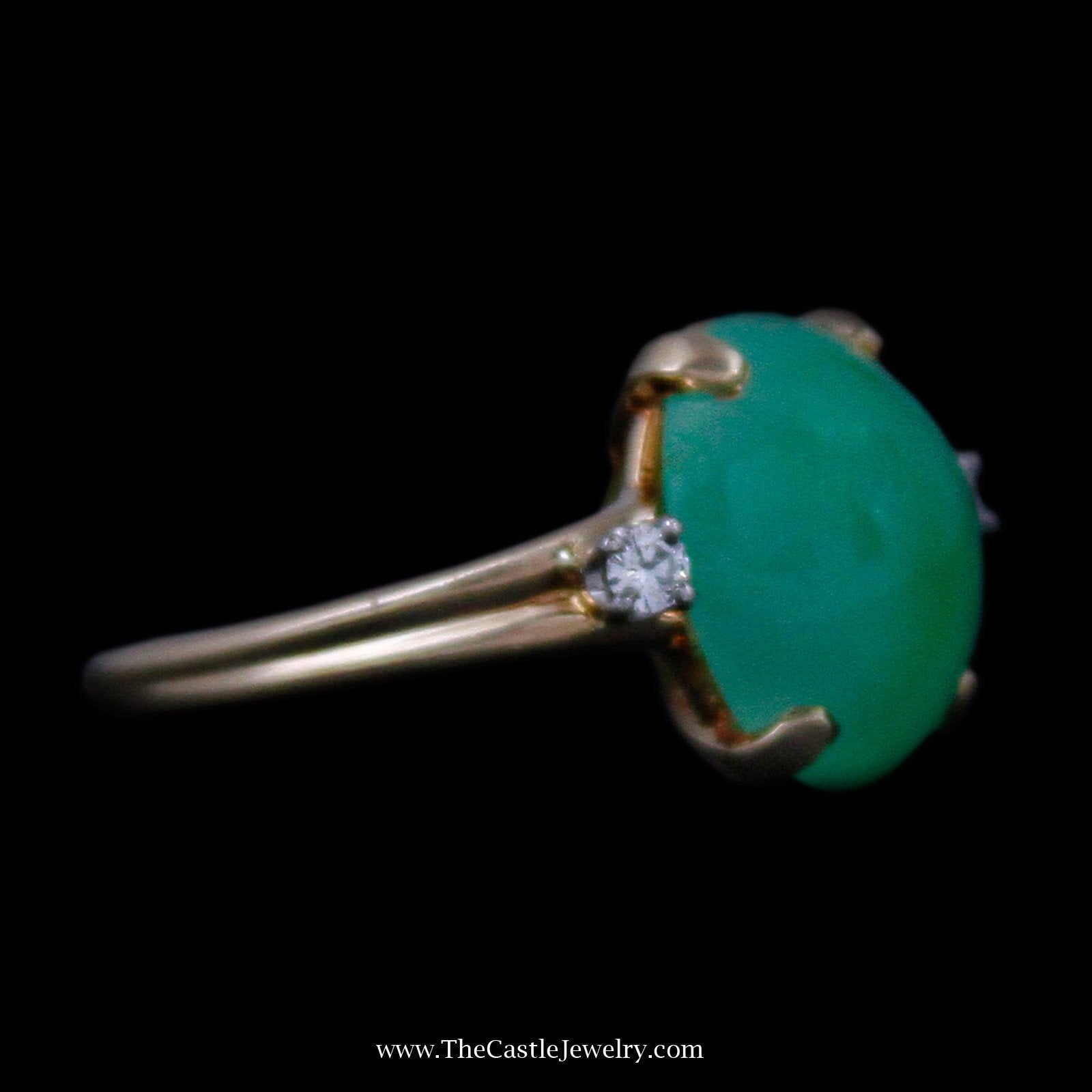Beautiful Cabochon Jade with Round Brilliant Cut Diamond Accents in Yellow Gold-2