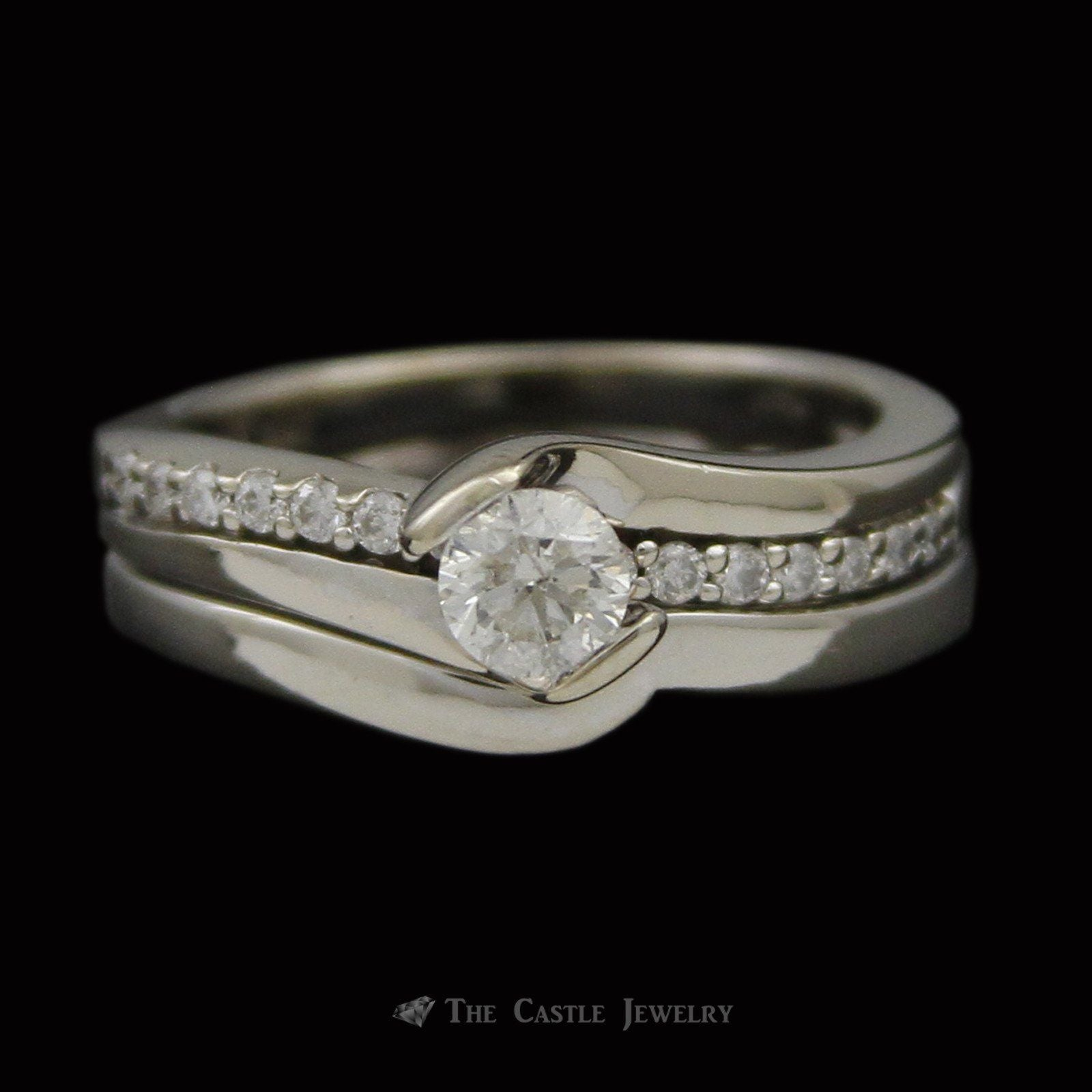 Round Brilliant Cut Diamond Curved Bridal Ring with Diamond Accent Sides