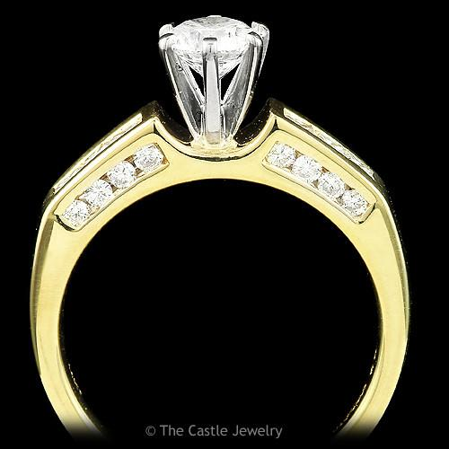 Round Brilliant Cut Diamond Engagement Ring with Princess Cut Diamond Accents