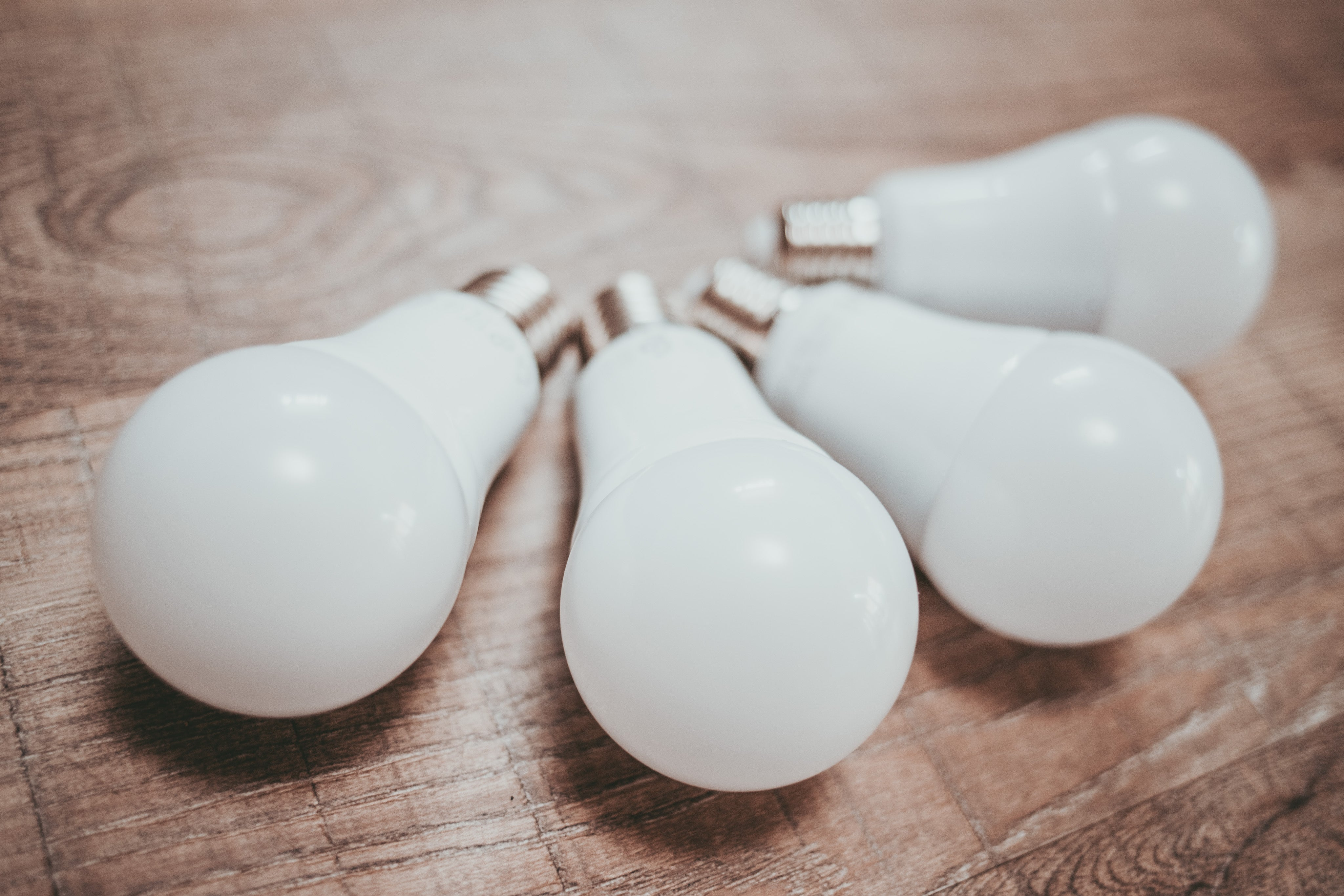 Diffusing bulbs to take product photos