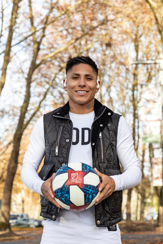 Raul Ruidiaz posing with soccer ball
