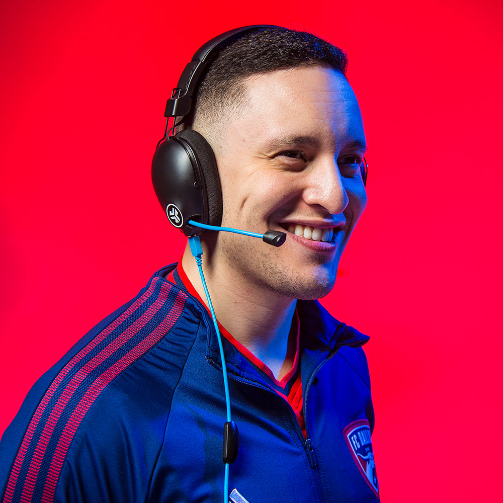 FC Dallas' Alan Avila wearing Play Pro Gaming Headphones with AUX cord plugged into earcup
