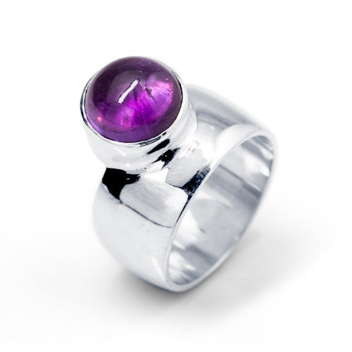 Cabochon Amethyst Set Ring in Sterling Silver