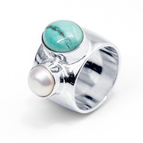 Oval Turquoise and Freshwater Pearl Sterling Silver Ring