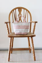 Load image into Gallery viewer, Handwoven cotton bag, pink/white