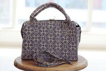 Load image into Gallery viewer, Linen handbag with block print, fair fashion