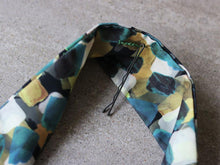 Load image into Gallery viewer, M Scarf - Upcycled fabric, fair fashion