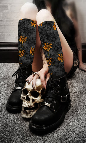 Apothic - Sunflowers Spot Color Socks