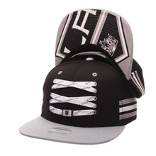 Load image into Gallery viewer, Los Angeles Kings Black 'Locker Room' Snapback