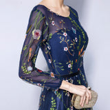 Women's Formal Flowers Embroidery Long Sleeves Evening Dress