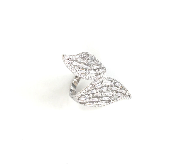 SPARKLING SPECTACULAR STERLING SILVER RING