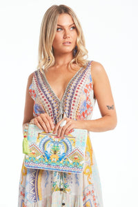 Czarina 'Love in Santorini' Clutch