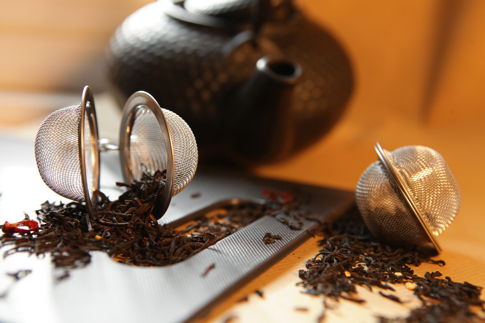 Tea infusers hold a certain amount of tea leaves, and release flavour from small holes. They are a good option for flavoured teas and tea blends that you plan to steep only once and when you are making tea for one person only.