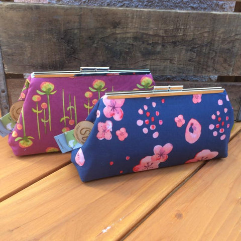 Vintage-style Clutch {Blossom}