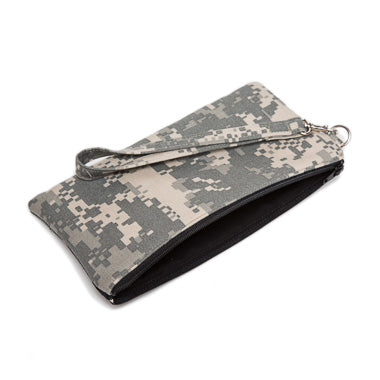 Element Wristlet in Camo
