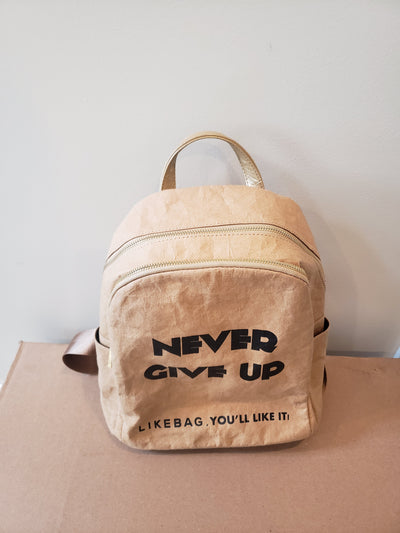 "Paper backpack sample ""Never Give Up"""