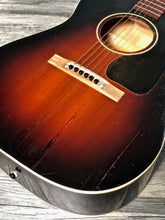 Load image into Gallery viewer, Gibson LG-2 Sunburst Banner Logo 1944