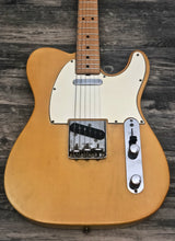 "Load image into Gallery viewer, Fender Telecaster 1968 ""Nicotine Blonde"""