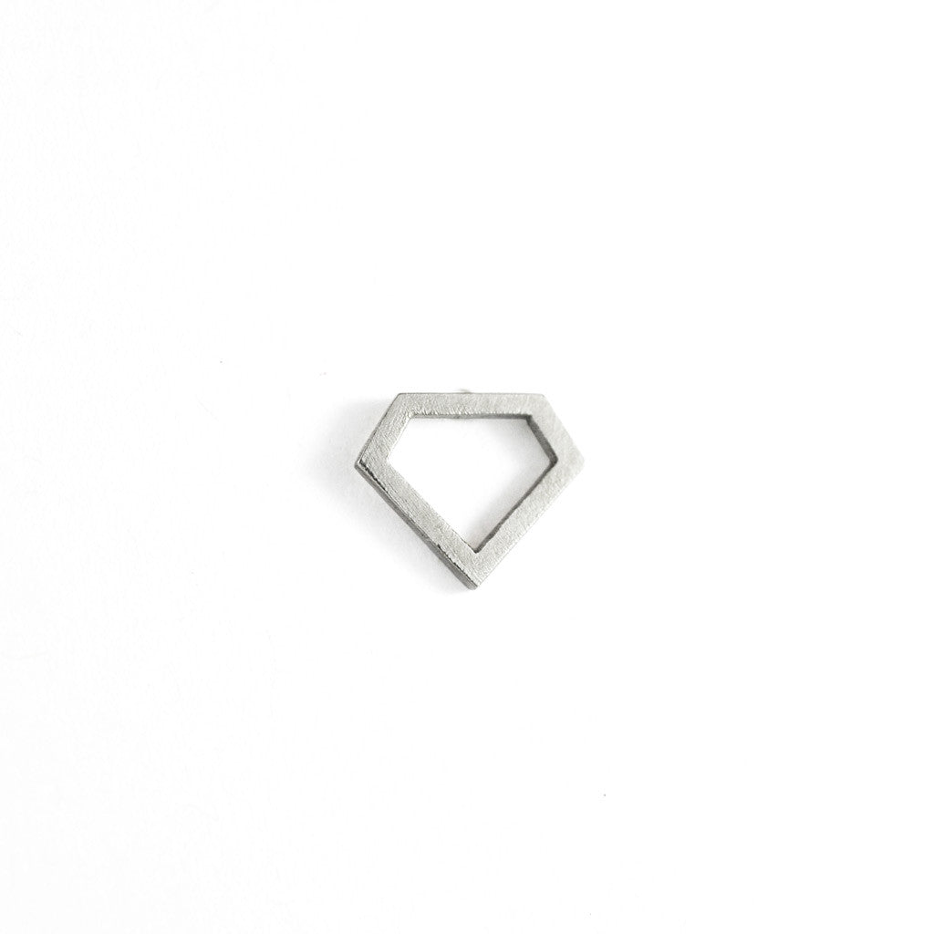 Diamond wire stud