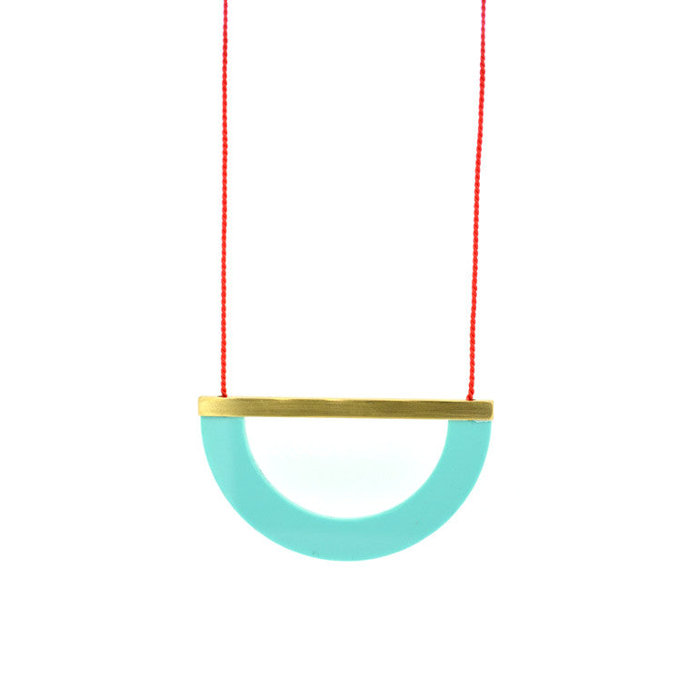 ACRYLIC/BRASS ARC NECKLACE - MINT