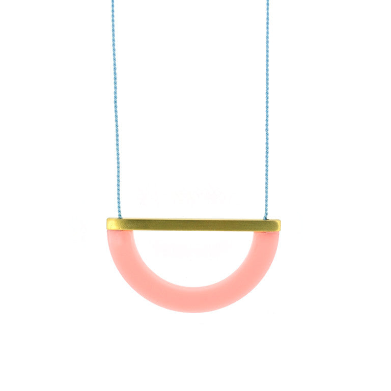 ACRYLIC/BRASS ARC NECKLACE - BLUSH