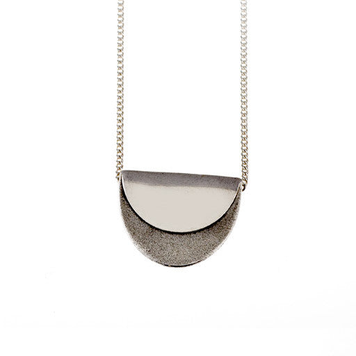 sterling silver single scallop necklace