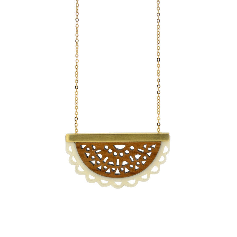 DOILY NECKLACE