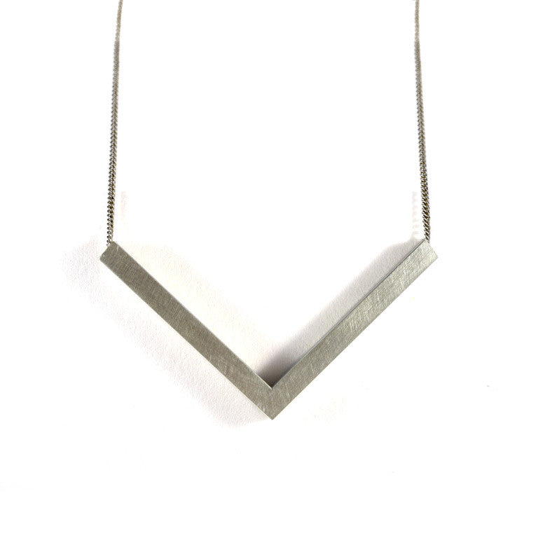 Flying V necklace