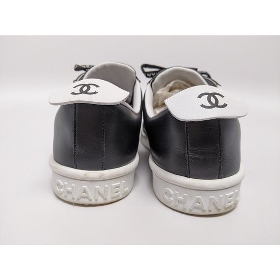 Chanel - Chanel Black Weekender Logo Sneakers