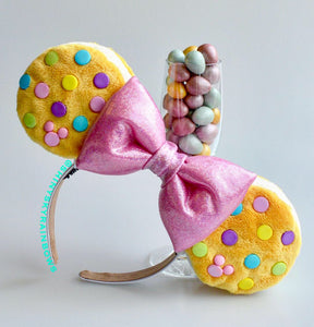Pastel colored Chocolate (buttons) Cookie Sandwich with a light pink bow, Ice Cream Cookie Sandwitch Ears