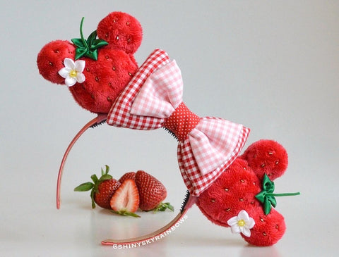 (Coming soon, February 23rd at 8pm EST/ 5pm PST) Strawberry Macaron Ears