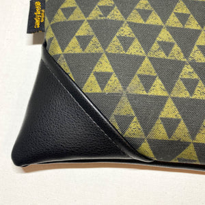 Large Mauna Zipper Clutch