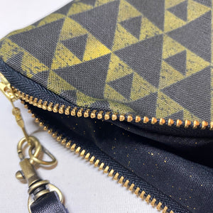 Mini Mauna Zipper Clutch