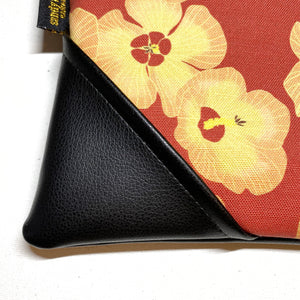 Large Hau Flower Zipper Clutch