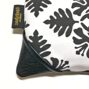 Mini White Hawaiian Quilt Zipper Clutch