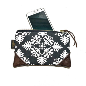 Mini Black Hawaiian Quilt Zipper Clutch