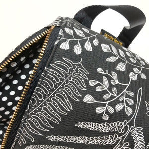 Black Hāpu'u Fern Hip Pack