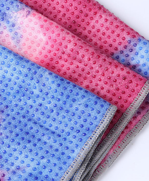 Yoga mat towel microfibre backing with silicon dots